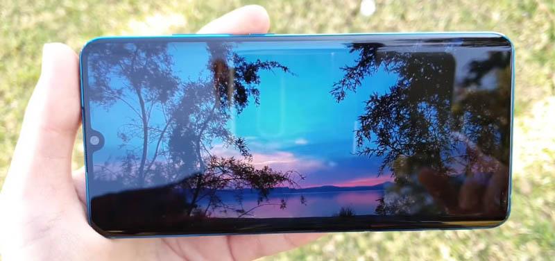 Desain Depan Xiaomi Mi Note 10 Pro