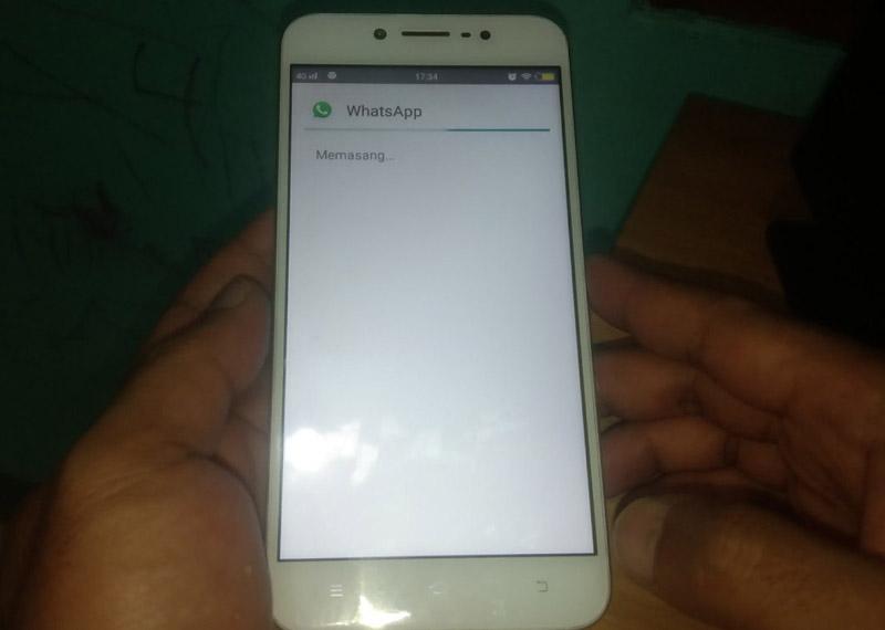 Install WhatsApp Dark Mode